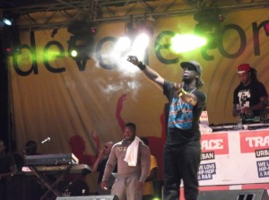 Douala : Youssoupha enivre ses fans youssoupha-300x223